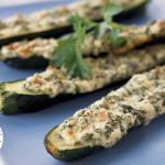 barchette di zucchine con bietole e mozzarella