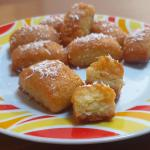 Biscotti al cocco e yogurt nello sciroppo al limone