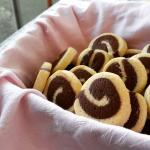 biscotti bicolori a girandola