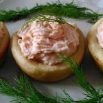 Cestini di brisè con mousse di salmone