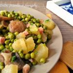 contorno di patate , piselli e funghi