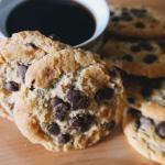 Cookies, biscotti con gocce di cioccolato