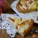 crostata morbida alle mele con crema pasticcera