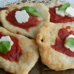 Cucina della Campania: montanara: pizza fritta