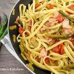 fettuccine con asparagi e salmone