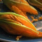 fiori di zucca ripieni di patate ricotta e pesto classico