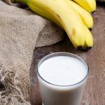 Frullato di banane con yogurt greco