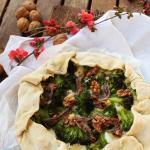 Galette con besciamella al maccagno, broccoli, acciughe e noci