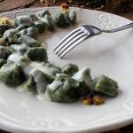 gnocchi con spinaci e fonduta di maccagno