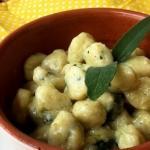 gnocchi con zucchine, patate e parmigiano