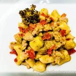 Gnocchi di ceci senza glutine con salsiccia e crema di broccoli
