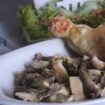 I carciofi in insalata con  salatini di sfoglia ripieni