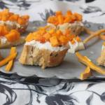 I crostini con formaggio e tartare di zucca