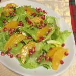 Insalata di scarola con arance e melagrana