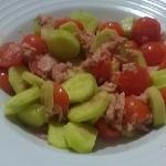 Insalata pomodori tonno e cetrioli