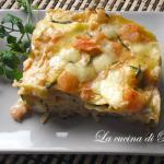 Lasagna con gamberetti, salmone e zucchine