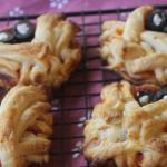 Le mummie e la mano insanguinata: pizzette e dolci per halloween