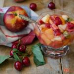 macedonia di frutta con maraschino