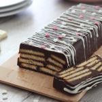 mattonella fredda al cioccolato e biscotti