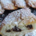 Mezzelune  ricotta e cioccolato al forno