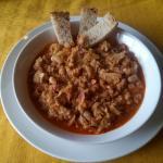 minestra di verza con pancetta, fagioli e pepe rosso calabrese
