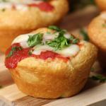 Muffin salati alla pizza: golosissimi!
