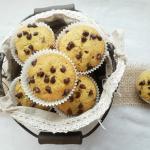 muffins di pandoro con gocce di cioccolato
