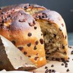 Pan dolce di natale con gocce di cioccolato