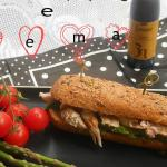 panino con straccetti, asparagi , crema con aceto balsamico di Modena