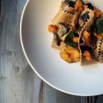Pappardelle di castagne con zucca e funghi