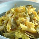 pasta ai quattro formaggi con carciofi e pistacchi