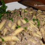 Pasta alla crema di funghi / pasta with creamy mushrooms