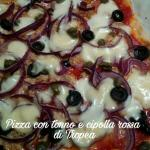 Pizza con tonno e cipolla rossa di tropea