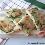 Pizza con zucchine e salmone