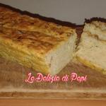Plum-cake salato con zucchine e olive