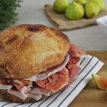 Prosciutto e fichi: un abbinamento sempre azzeccato, anche per un panino gourmet