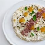 Risotto al gorgonzola dolce,con salsa di fichi piccante,scalogno abbrustolito ,croccante di parma , erba cipollina