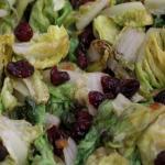 Scarola con aglio nero e uvetta