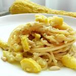 Spaghetti al pesto di zucchine gialle