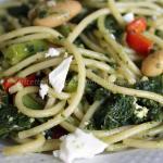 Spaghetti con cavolo nero, fagioli e quartirolo
