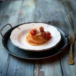 Spaghetti con polpette di carne (spaghetti and meatballs)