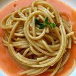 Spaghettoni con colatura di alici e pomodori