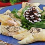 Stelle di sfoglia al salmone, antipasto natalizio
