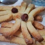 """stringhe """"fioccolose"""" al vino bianco – biscotti secchi con nocciola"""