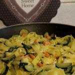 tagliatelle fatte in casa con zucchine e salmone