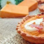 tartellette alla crema di zucca, taleggio e bacon