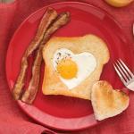 Toast di pancarrè al cuore di uova