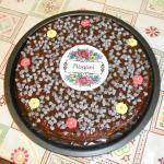 torta al cioccolato con base di pan di spagna