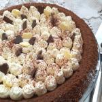 torta al fondente con namelaka al cioccolato bianco