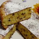 Torta con gocce di cioccolato cotta in padella